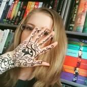 Nina_Life_of_a_Bookworm
