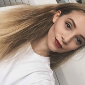 chloefeather16
